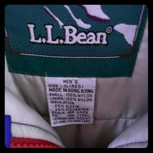 This is a used L.L Bean Men's Ski Jacket Size XL